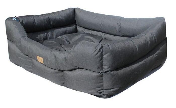 Miro & Makauri Waterproof Bed Black