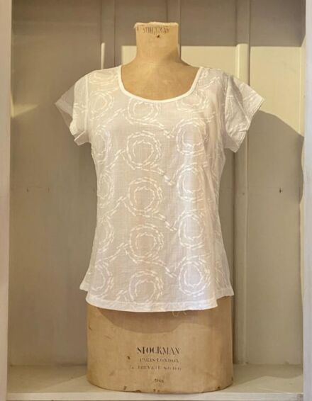 Mistral Swirling Fishes Top White